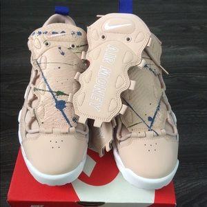 NIB Nike Air Money size 8